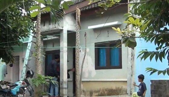 Rumah Legiman Pengemis Tajir C06f8