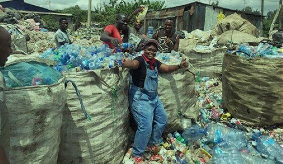 Nzambi Matee Ubah Plastik Jadi Batu Bata C92e6