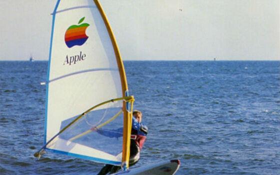 Produk Aneh Apple Boat