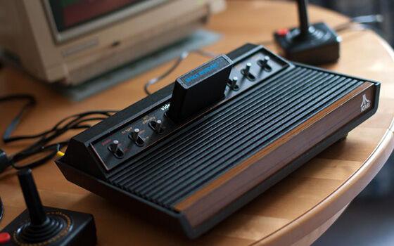 Konsol Game Generasi 90an Atari 2600 D217e