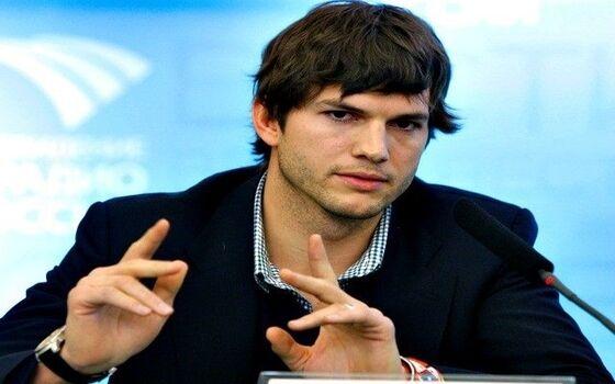 Aktor Yang Gak Sengaja Tenar Ashton Kutcher 9c09b