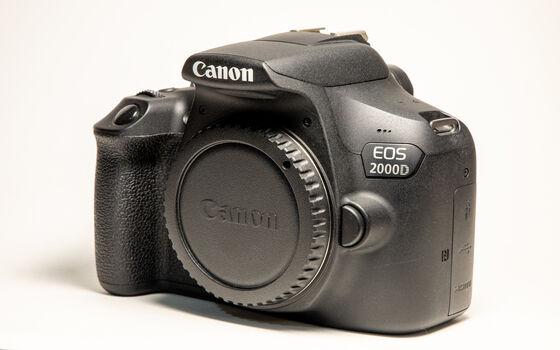 Kamera Canon Murah Canon EOS 2000D 6753a