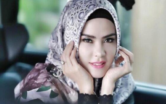 Artis Indonesia Yang Berbohong Demi Terkenal Angel Lelga 135eb
