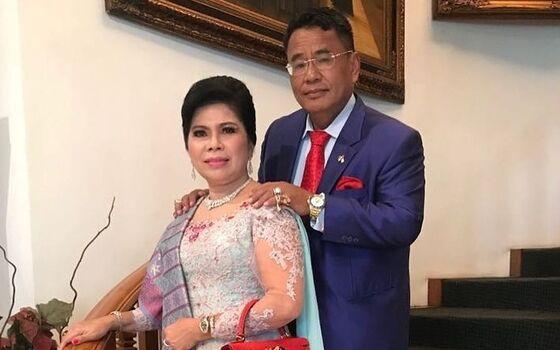Artis Indonesia Yang Selingkuh Tapi Dimaafkan Pasangan Hotman Paris Dan Agustianne Marbun 516fd