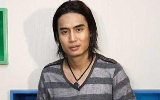 Artis Indonesia Yang Dulunya Pengamen Charly Van Houten 56e89