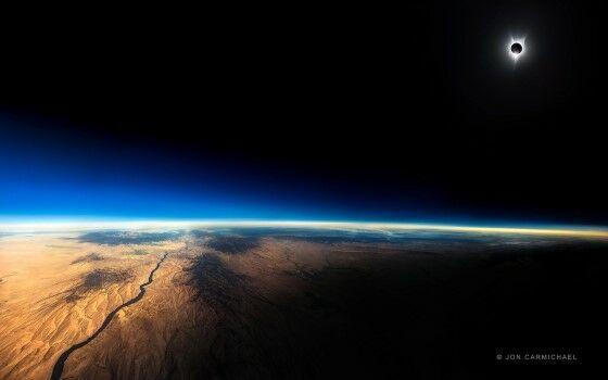 Foto Gerhana Matahari Total 4420d