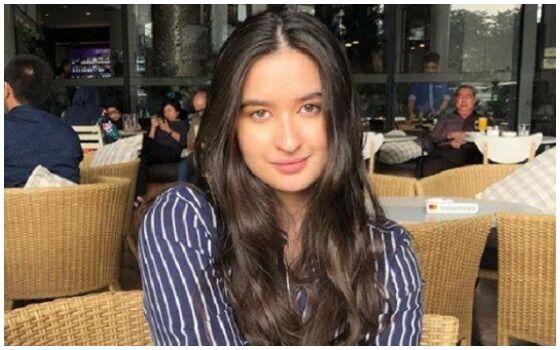 Artis Yang Menyamar Jadi Peserta Indonesian Idol Stephanie Poetri 862c7