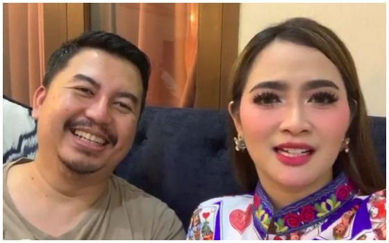 Artis Indonesia Yang Tetap Bahagia Walaupun LDR Vega Darwanti 693ee