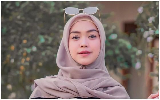 Artis Indonesia Yang Beralih Profesi Jadi YouTuber Ria Ricis 3105f