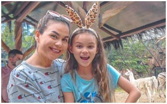 Anak Artis Indonesia Yang Jago Bahasa Inggris Melaney Dan Chloe 3af47