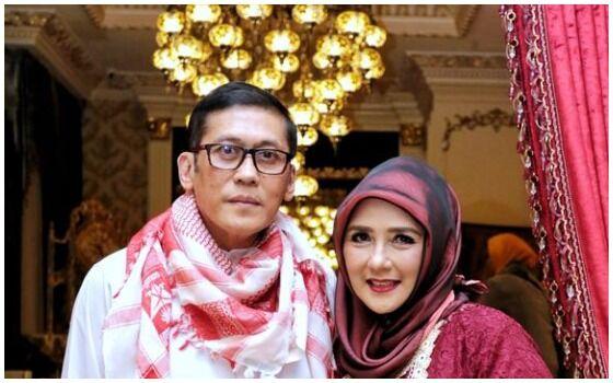 Artis Indonesia Yang Setia Dengan Pasangannya Pangky Suwito Dan Yati Octavia 0ea96