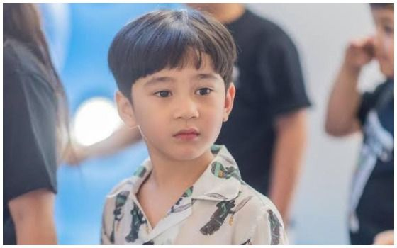 Anak Artis Indonesia Yang Selalu Dikawal Bodyguard Rafathar Ba900