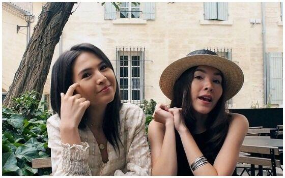 Artis Kembar Yang Kompak Berkarir Di Dunia Hiburan Sabrina Dan Olivia D2592