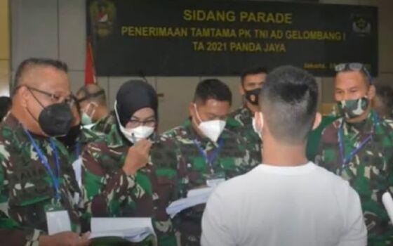Sidang Parade Penerimaan TNI 4d61b