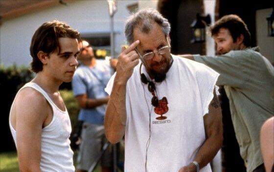 Sutradara Terkejam Di Dunia Film Larry 1bfad