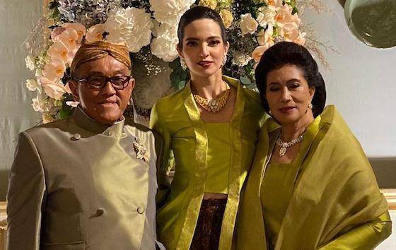 Nia Ramadhani Artis Yang Dekat Dengan Mertua 1ea43
