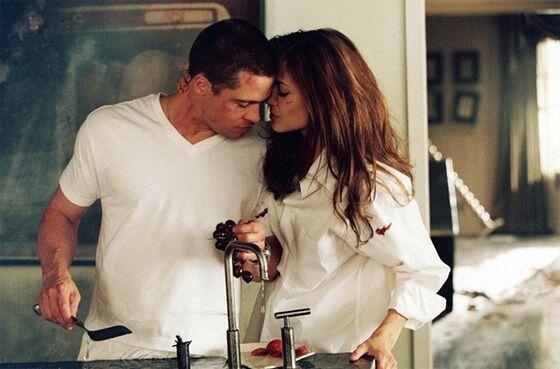 Brad Pitt Dan Angelina Jolie Dalam Mr And Mrs Smith E4546