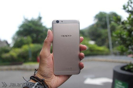 Review Oppo F1s 17