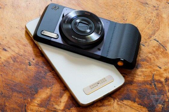 Smartphone Yang Pernah Bekerja Sama Dengan Brand Kamera 3 C3211