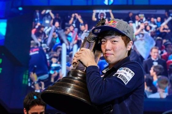 Bahaya Fenomena Judi Dalam Dunia ESports Lee Seung Hyun 068f1