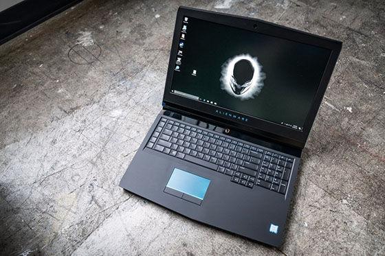 Alienware 17 R5 E715d