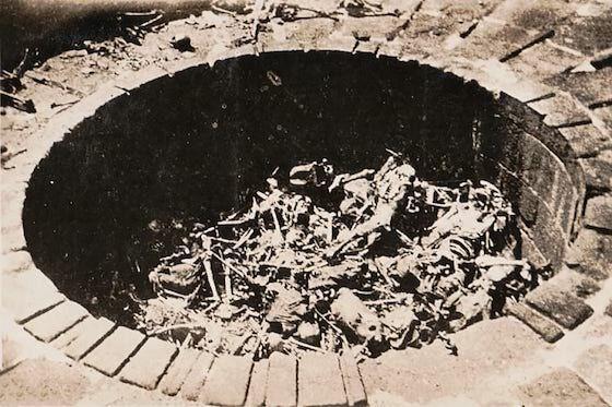 Pemakaman Mayat Di Dalam Gua Gua Batu Terdapat Di Daerah E9176