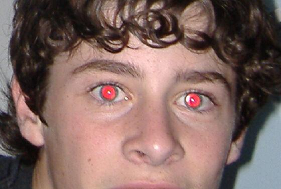 Efek Mata Merah Saat Foto 5