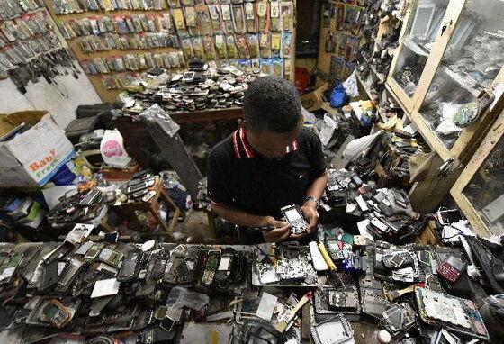 Hindari Penipuan Smartphone Black Market Batam 3