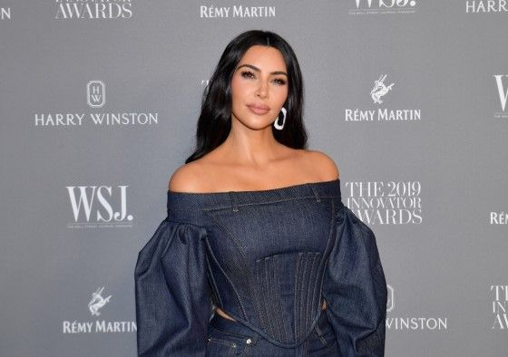 Aktor Jadi Penyanyi Kim Kardashian 28c7a
