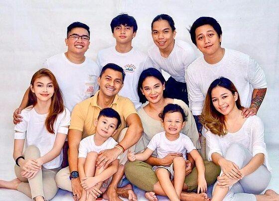 Dian Nitami Dan Keluarga 34ce5