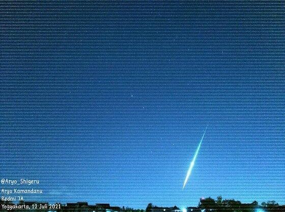 Meteor Jatuh Yogyakarta 1d3b7
