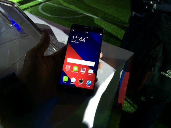 Smartphone Sepak Bola 093