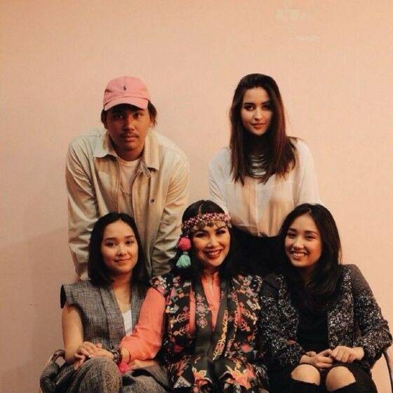 Keluarga Titi DJ F4a6c