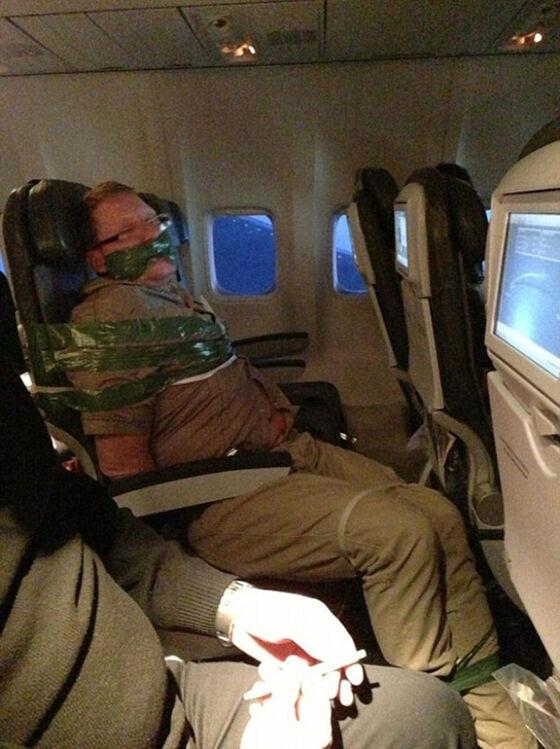Foto Kejadian Unik Penerbangan 03