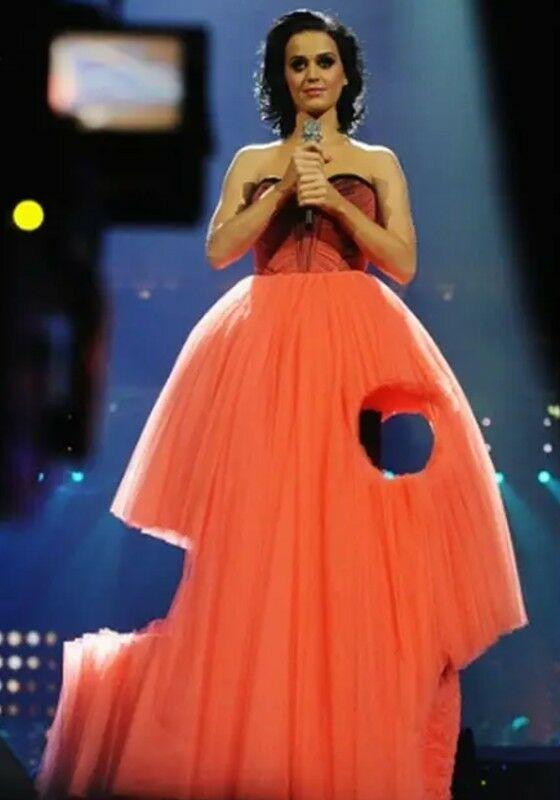 Gaun Setengah Gaib Katy Perry 4620b