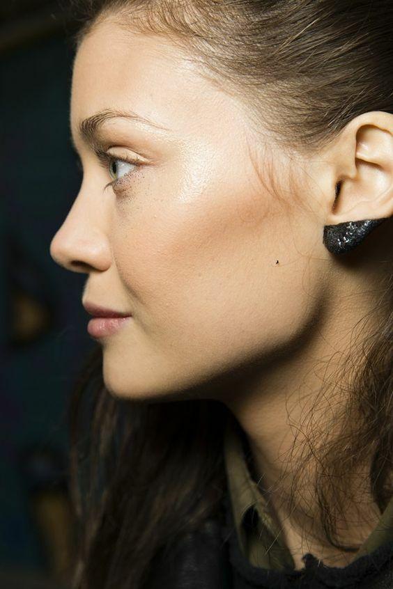 Ear Makeup 2