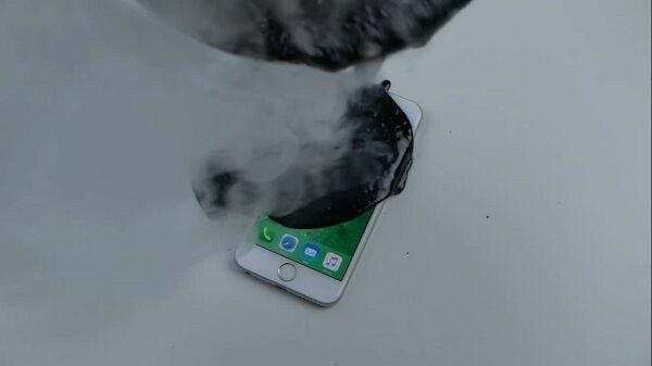 Iphone 6s Direndam Aspal 2