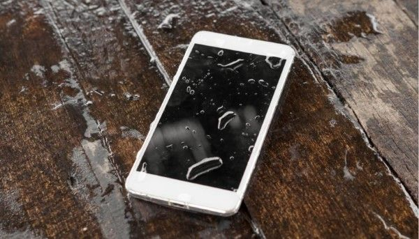 hal-hal yang bisa merusak smartphone (1)