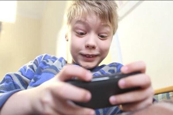 Anak Kecanduan Main Game A7b07
