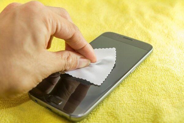 Cara Membersihkan Layar Smartphone Dengan Aman 1 528f7