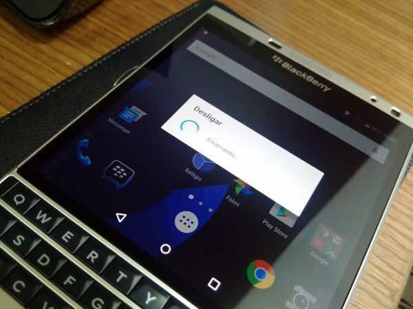 Blackberry Passport Silver Edition Android 1