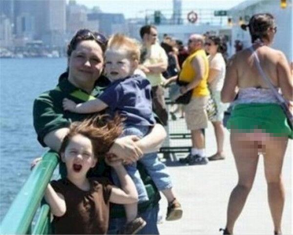 Angin Membuat Foto Keluarga