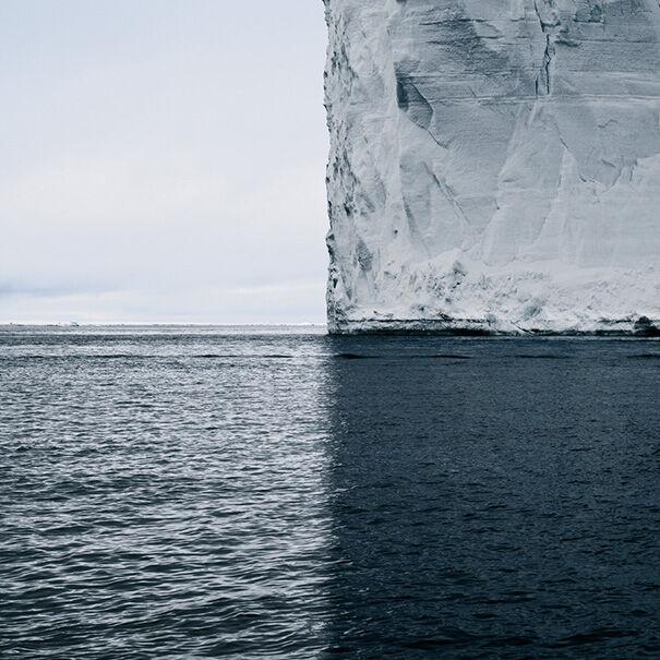 Bayangan Gunung Es Ini Menampilkan 4 Dunia