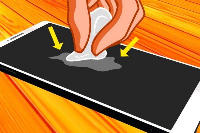 Bersihkan Layar Smartphone Atau Tablet Dengan Kertas Biasa