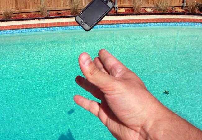 Hindari Smartphone Jatuh 4