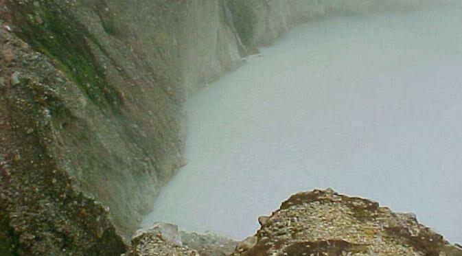 Boiling Lake 981a7