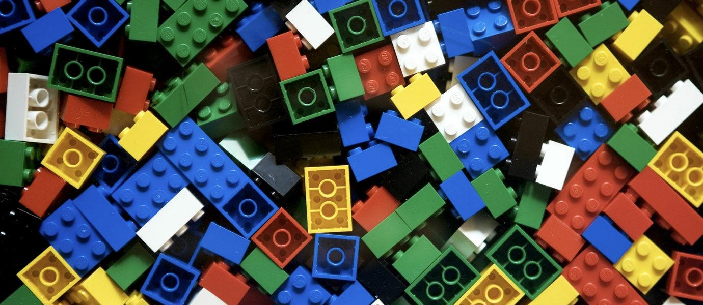 Miliki Koleksi 250 Ribu Keping, Pria Ini Jadi Juragan Lego