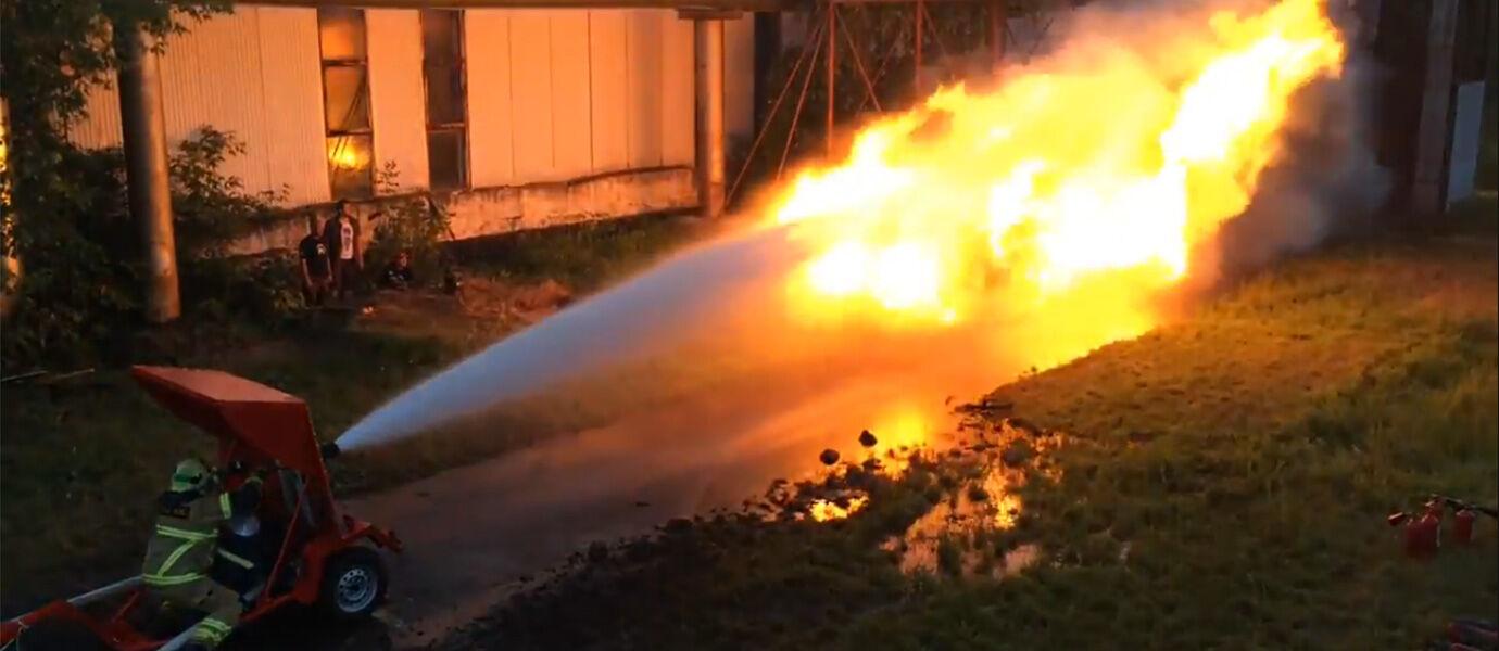 Kamehameha Antara Air vs. Api, Siapakah yang Menang?