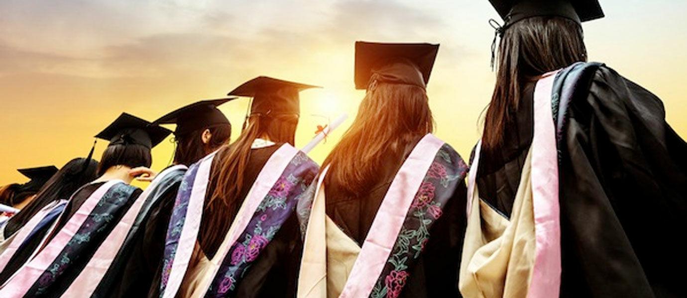 7 Cara Seru Untuk Tetap Berhubungan Setelah Lulus Sekolah