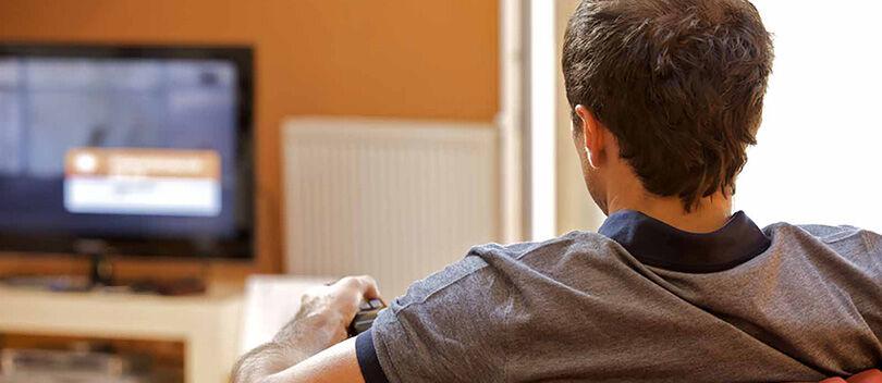 3 Tips Keren Memanfaatkan HP Kamu Untuk Menonton TV Lewat Android